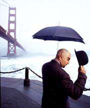 San Francisco magician, Paul Nathan at the Golden Gate Bridge.
